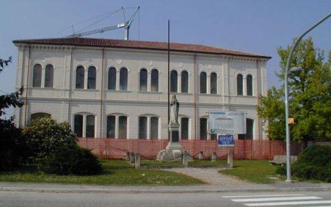 Baruchella (RO) - Palazzo Comunale (ex Scuole)